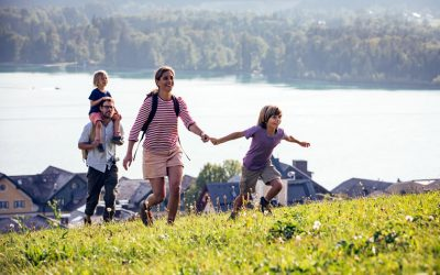 Hiking with the family at Strobl bei Wolfgangseebl