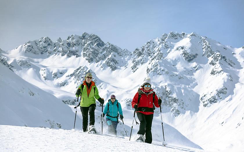 Snowshoe walk on the Silvretta-Bielerhöhe