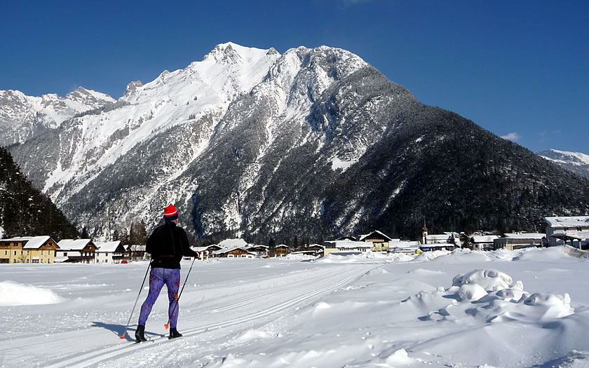 Cross-country skiing near Scharnitz on the Seefeld plateau.