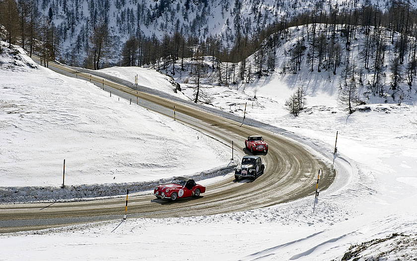 The Mille Miglia competitors in winter