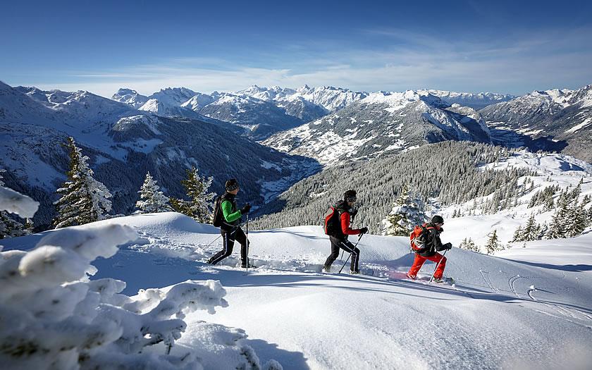 Snowshoe hike on the Sonnenkopf in Vorarlberg