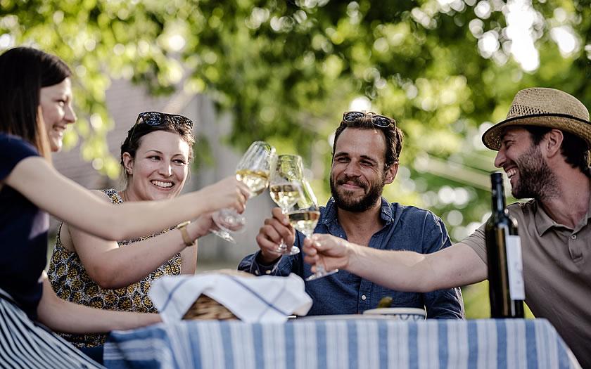 Enjoying the Grüner Veltliner along the wine route